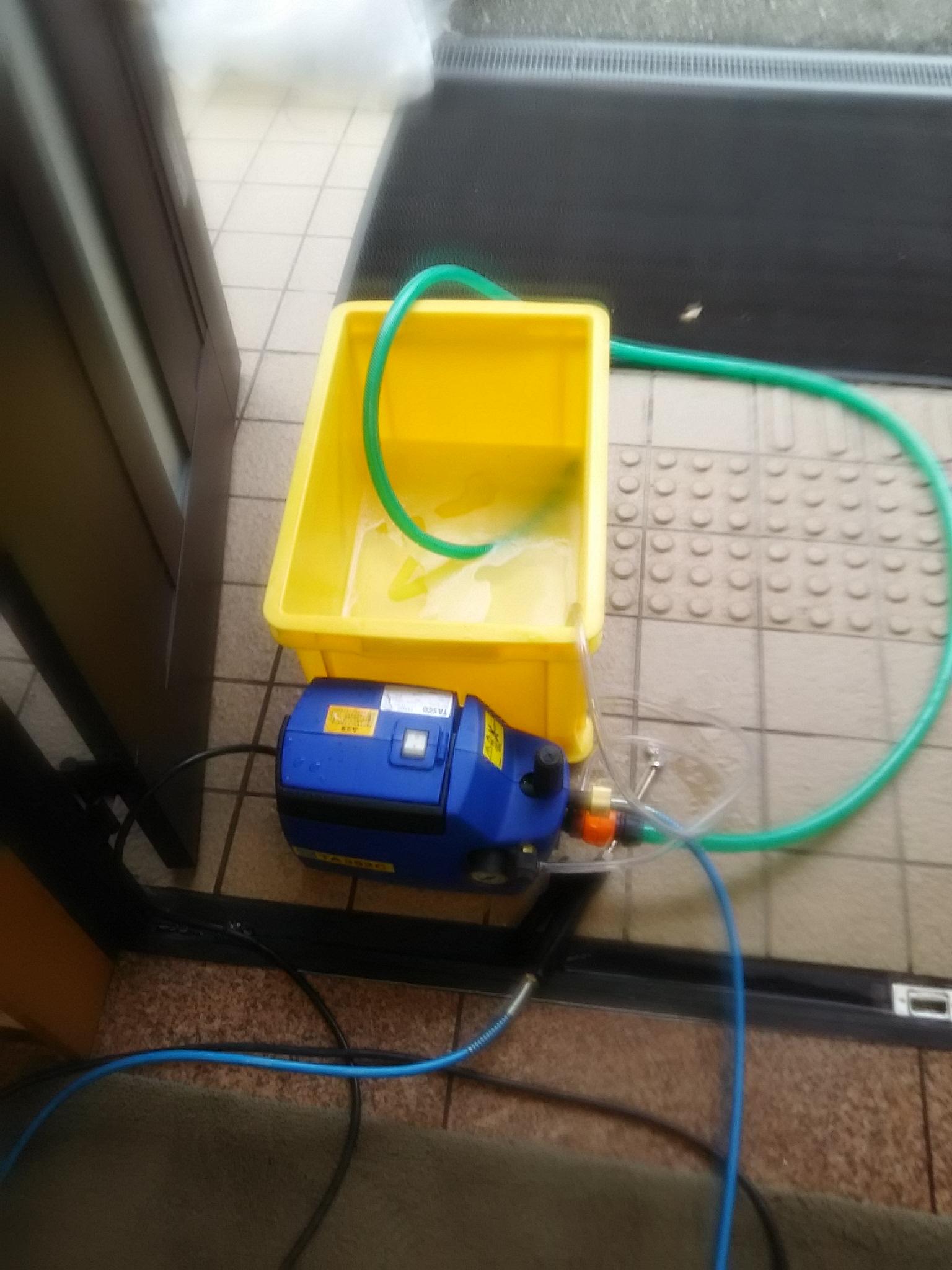 当社の高圧洗浄ポンプです。
